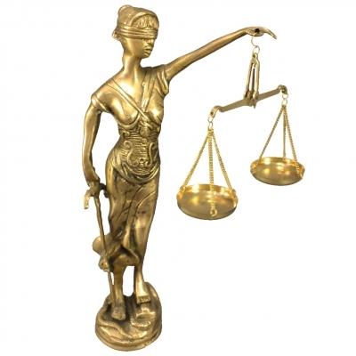 Что подарить юристу