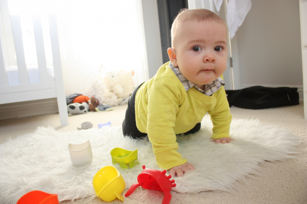 Перші іграшки у подарунок для хлопчика до року