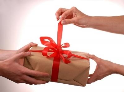 Подарки со смыслом престарелых