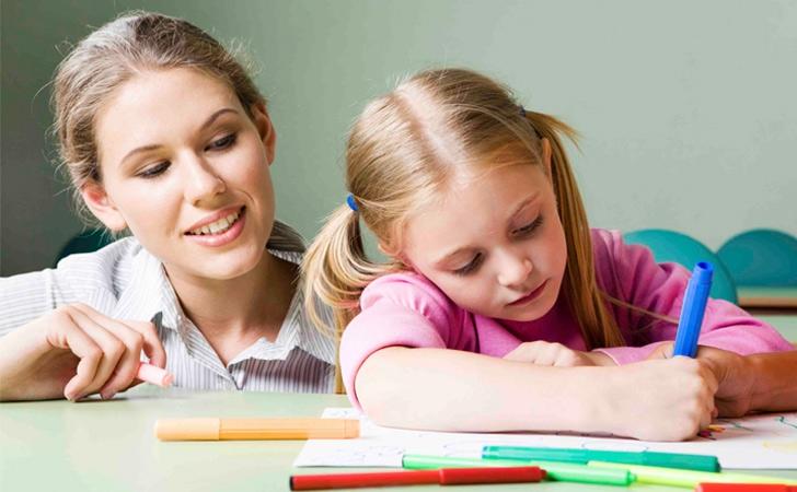 Подарунки виховательці та помічниці виховательки
