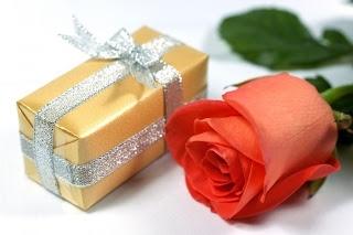 Подарок для женщины в возрасте